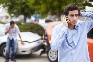 Közlekedési büntetőjog és szabálysértés, büntető ügyvéd. Ittas vezetés, közúti baleset és közúti veszélyeztetés, valamint segítségnyújtás elmulasztása, cserbenhagyás, közlekedési szabálysértés, engedély nélküli vezetés.